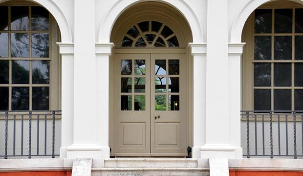 Door Installation 101 - Why A New Front Door Will Spruce Up Your Property