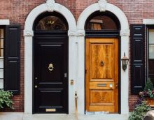 How to Choose the Correct Door Installation Service